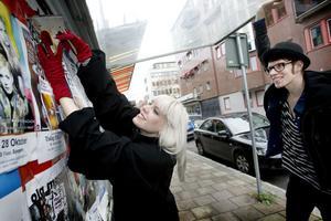 """Releaseparty på Spegeln. Här kommer Marie Björk och Gabriel Liljevall att fira sin bok """"Stolt""""."""