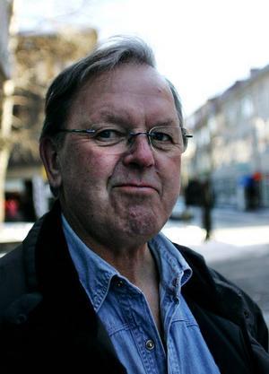 Sören  Pålsson, 60, Östersund:– Ja. Det var en tjej som stod och bjöd på våfflor.