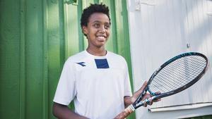 En vanlig dag tränar Simon fyra timmar om dagen, både tennis och fys.