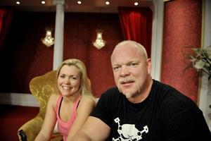 """Magnus Samuelsson. """"Det är nog mest jobbigt för mig, eftersom jag är så tung"""" säger han, här bredvid sin danspartner Annika Sjöö."""