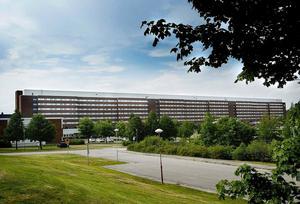 Antalet överbeläggningar vid Sundsvalls sjukhus var på onsdagen oroväckande 45 stycken. Nu känner Vårförbundet en stor oro inför hösten.