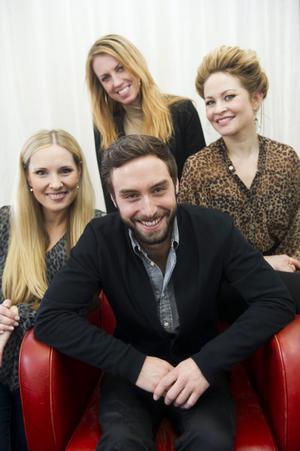 En inte fullt så god jul(show) blir det för Måns Zelmerlöw. Hans turné med sångerskorna Anna Nilsson, Hanna Holgersson och Hanna Lindblad ställdes in på grund av dålig biljettförsäljning.