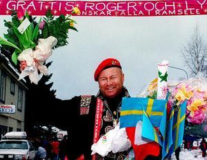 Roger Pontare - vid hemkomsten till Ramsele efter vinsten av Melodifestivalen 1994 tillsammans med Marie Bergman.