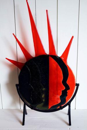 Mari Zidéns glaskonst är färgstark.
