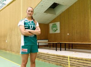 Före detta Rimbo HK-spelaren Jenny Södrén i nuvarande tröjan, Skurus.