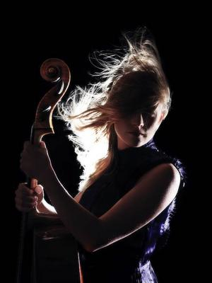 Cellisten Beata Söderberg gör stor succé i den argentinska tangovärlden.