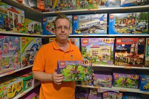 Daniel Lidén äger leksaksbutiken Brixit. Han säljer mest Lego till killar.