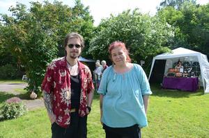 Peter Nilsson och Ulrika Fagernäs arrangerade Art in the garden i trädgården för fjärde året.