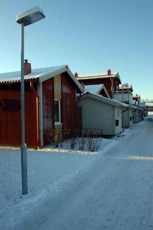 RÄTTIGHET. Hyresgästföreningen menar att hyresgästerna här på Vallskoga och i alla andra områden i Tierps kommun har rätt att veta partiernas inställning i bostadsfrågan.Foto: Conny Svensson