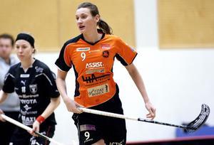 Nya mål av Wikström? Rönnbyforwarden Malin Wikström hade lekstuga mot Karlstad. I helgen väntar två nya matcher.