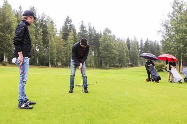 Jacob Olofsson och Emil Olsson vann lördagens TH-slaget på golfbanan i Byvallen utanför Sveg.