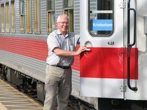 Tågabs vd Lars Yngström berättar att det omfattande klottret på deras tåg i Falun gör att de tvingas dra in helgturerna mellan Falun och Göteborg. Foto: Arkiv