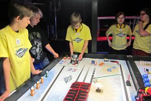 Klockarskolan ställde upp med fyra lag i helgens regionala avgörande i First Lego League, som avgjordes på Cozmoz i Borlänge.