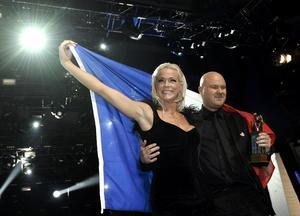 Malena Ernman från Sandviken får representera Sverige i Ryssland. Vid sin sida har hon kompositören Fredrik Kempe.