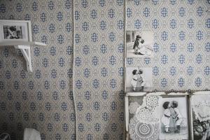 I Gårdsbutiken finns små detaljer för att förstärka de olika stilarna i rummen.