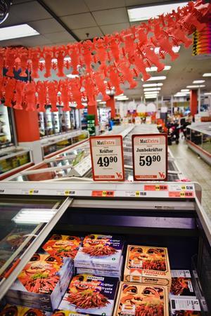 Kräftor som säljs i affärer kan vara ett år gamla.
