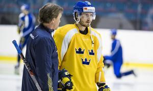 Oliver Ekman-Larsson samtalar med Johan Garpenlöv.