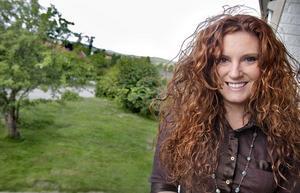 Sarah Kelly bor hemma hos sin svenske svåger i Gnarp under sitt Sverigebesök.