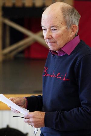 Revypappa Thord Larsson har varit med sedan starten 1958 och återanvänder några gamla favoriter i år