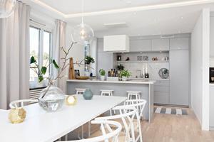 Nyrenoverat kök i bostadsrätten på Kungsvägen.