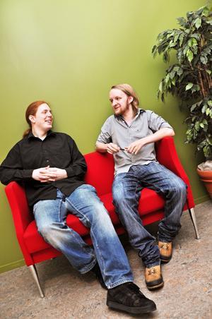 """ÄLSKAR SVERIGE. Stewart Brooks och Robert Mizen besökte Åre 2009. De bestämde sig direkt för att de skulle flytta till Sverige och starta sitt spelföretag. """"Vi älskar allt med Sverige. Naturen, moderniteten, sjukvården, skolorna och så är det billigt"""", säger Robert Mizen."""