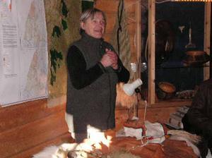 Maud Mattsson, Njarka sameläger, tog emot i sin åttkantiga kåta.