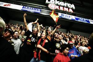 Leaf och Brynäs kom 2005 överens om ett tioårigt sponsoravtal. Det inkluderar bland annat Läkerol Arena som stod klar ett år senare.