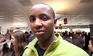 Jean Baptiste Nshimirimana tänker satsa på studier för att så småningom kunna söka jobb som advokat. Det var hans yrke i hemlandet Burundi.