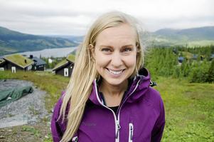 Johanna Nygård lever ett aktivt liv och befinner sig ofta i fjällvärlden. Hon upplever att många kvinnor inte riktigt vågar ta steget ut i den världen. Det vill hon ändra på och därför har hon startat