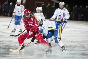 Malin Persson spelade libero på halvfart mot Kareby.