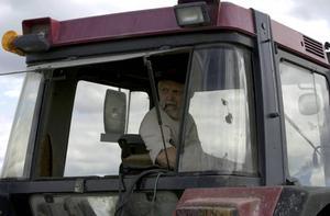 Magnus Malmsten och Landsbygdspartiet oberoende är oroliga över Sveriges livsmedelsförsörjning om det skulle bli skarpt läge. Att bönder alltmer bara ses som pittoreska inslag är alarmerande, skriver debattören.
