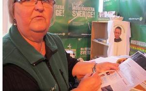 -- Sverigedemokraterna försöker lura pensionärer, säger Inger Olenius (MP) om partiets utskick.FOTO: SYLVIA KJELLBERG
