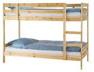 Mydal våningssängstomme från Ikea. Två sängar och en rumsavdelare för under tusenlappen!
