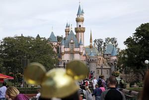 Disneyland i Kalifornien är det turistmål/destination i världen som det har laddats upp flest bilder på Instagram från.