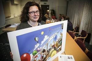 Vi är stolta över att kunna visa upp den här unika boken som är gjord till de flyktingbarn som kommer till Strömsund, säger Elisabeth Lindholm.