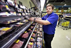 - Jag antar att det är köttet som dragit upp det mesta. Det är dagspriser på kött och vi köper det direkt från köttproducenterna, säger Citygross butikschef Andreas Eklind.