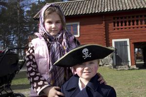 Isabelle och Hampus Holmvin.