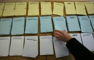 Länets viktigaste val är det okända valet, landstingsvalet. Den blå valsedeln. Det skriver Folkpartiets kandidat Finn Cromberger.