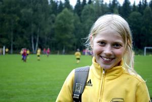 Spansk idol. Nioåriga Erna Persson satsar på fotbollen. Hennes idol heter Casillas och står i det spanska landslagets mål.