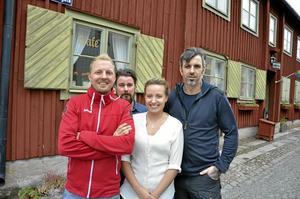 Nya i Wadköping. Gamla Örebro, från vänster: Robert Sandqvist, Niclas Palmqvist, Hilda Westmark och Davide Lindqvist.