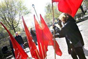 Efter demonstrationen samlades deltagarna i Stenebergsparken för majtal och underhållning.