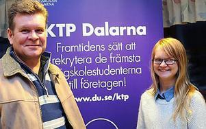 Tillsammans kan Jörgen Prawitz, Bergkvist Insjön  AB, och Lisa Fredriksson, KTP-deltagare, forma kraven för en ny certifiering, med fokus på energiförbrukning och miljöpåverkan, för Europas sågverk.