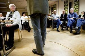EFTERLYSER ANSVARSTAGANDE. Mötesdeltagarna var överens om att Sandvikenhus borde ta sitt ansvar med tanke på hur lågkonjunkturen drabbat Sandviken.