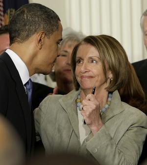 Satsar framåt. I San Francisco räknar man nu med att Nancy Pelosi, en av demokraternas mest garvade politiska begåvningar, ska hjälpa Obama att bärga segern för demokraterna i presidentvalet 2012, skriver Anders H Pers.