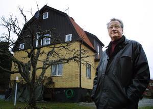 Kvar i huset. Så här ser Lindgrens hus på Grytaborgsvägen 5 A ut i dag (år 2001). Arne Lindgren bor fortfarande kvar.