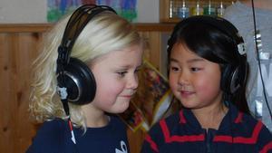 Solisterna Signe Kahr och Maja Segeblad.