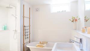 Nu inreder vi våra badrum lika ambitiöst som resten av huset. Janniche Kristoffersens renovering tog sex veckor. En tid som familjen refererar till som