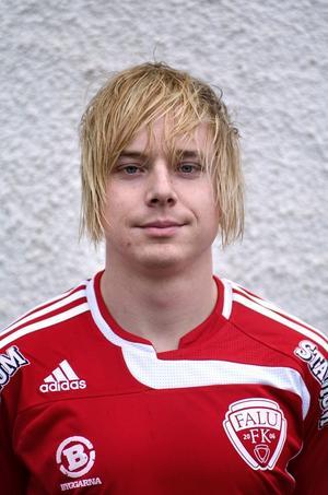 Tillbaka. I går gjorde Patrik Bergström comeback efter ett års skadefrånvaro. Och han gjorde mål i comebacken också.
