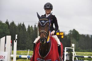 Nathalie Agebro segrade i lördagen högsta klass – 145-hoppningen.