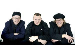 Lennart Wastesson, Sven-Inge Sjöberg och Larry Forsberg diskas från Melodifestivalen. Deras låt hade redan tävlat i Moldavien. Bilden är från 2007.